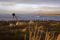 Fotoausrüstung vor der Bucht bei Eyrarbakki, Island
