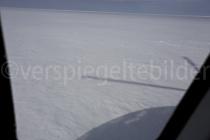 Blick auf das Ross Ice Shelf aus dem Helikopter