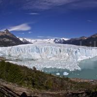 Frontalansicht des Gletschers Perito Moreno