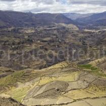 Blick üebr die Täler bei Maca in Peru