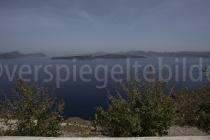 Blick aus dem Süden auf die Caldera von Santorini