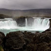 Góðafoss Wasserfall bei regnerischem Wetter