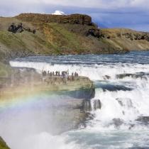 Gullfoss Wasserfall mit Regenbogen, Island