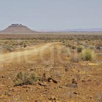 Strasse durch die Wüste beim Fish River Canyon, Namibia