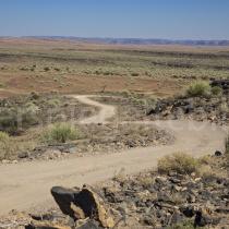 Strasse durch den Canyon Park in der Nähe von Goageb, Namibia