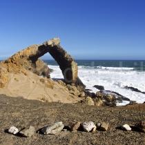 Bogenfels bei Ghost Town in der Nähe von Lüderitz, Namibia