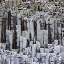 Detailaufnahme der Basaltsteine bei Reynisdrangar, Island