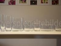 Gläserrreihe mit Hintergrund