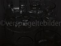 unterbelichtete Gläser in wilder Anordnung