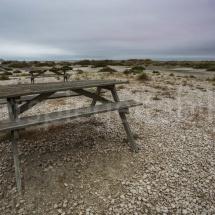 Picknicktisch beim Aussichtspunkt Salin-de-Giraud, Camargue