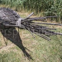 Boot aus Ästen zur Bewirtschaftung der Reisfelder im Parque Naturel Régional de Camargue