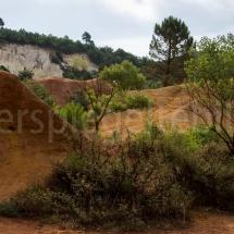 Colorade Provençal in seinen Ockertönen, bei Rustrel in der Provence